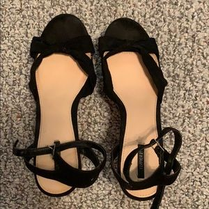Black bowtie wedges